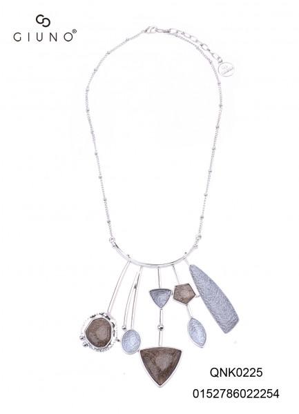 Kette Silber Mit Silber Reif Verschiedenen Formen In Grau- Und Brauntönen